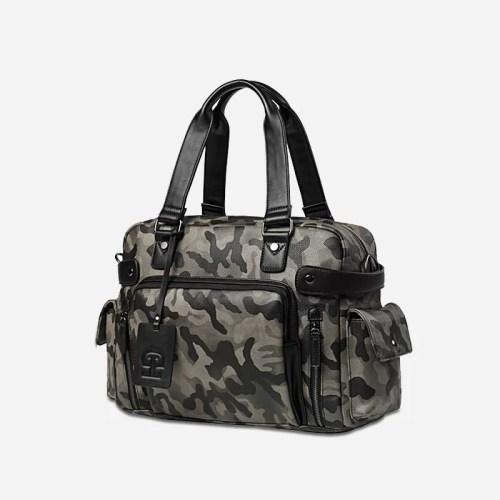 Sac bandoulière pour homme vert militaire camouflage avec poignée pour être utilisé aussi comme sac à main. Zoom.