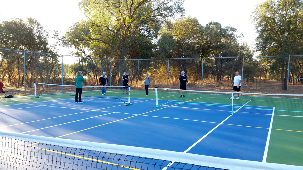 Rio Linda newly resurface courts