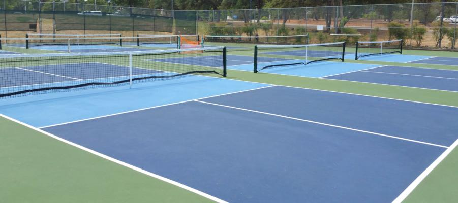 Auburn 6 Outdoor Courts