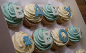 baby-boy-cupcake-giftbox-3