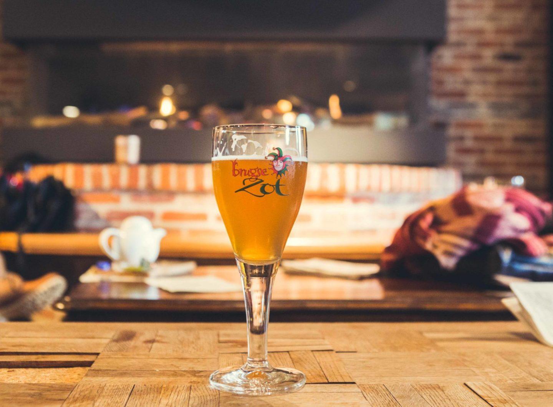 Brugge fotografie stadsbrouwerij de Halve Maan, Brugse Zot bier, Sacha Jennis in opdracht Le Monde