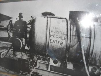 Hình 1: Đọc chữ trong hình chứng tỏ Mỳ biết tác hại của chất độc da cam