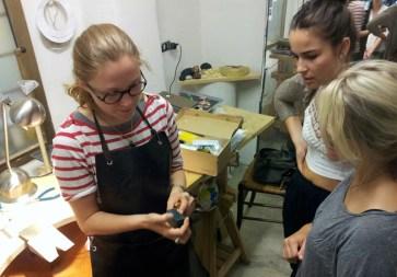 Martina Loncar explaining her process to SACI jewelry students