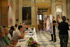 Painting by Paul Beel in front of the Figurativas Painting and Sculpture Competition Jury, 2015