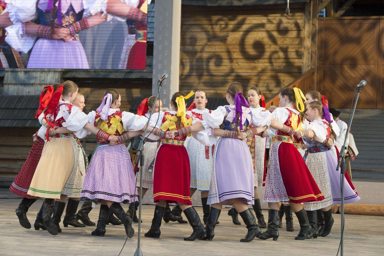 the folklore festival východná