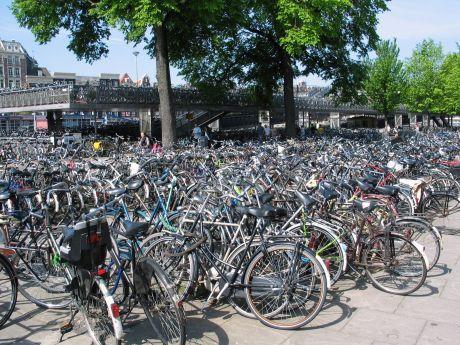 Sacramento Bike Swap Meet in Midtown - Sacramento Press
