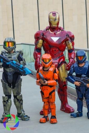 SacAnime cosplayer family