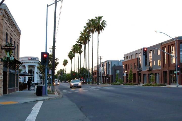 Oak Park Sacramento e1462290555514 - Jane Jacobs, Punk Rock and Sacramento's Urban History
