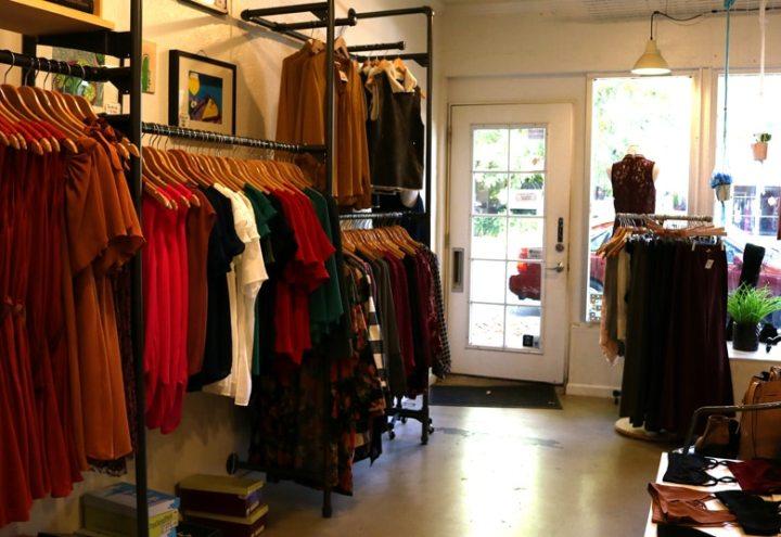 rire-sacramento-clothes