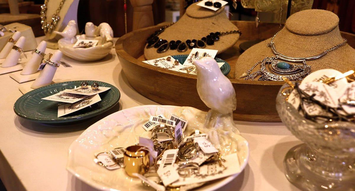 Think Big, Shop Small This Small Business Saturday via @sacramentopress
