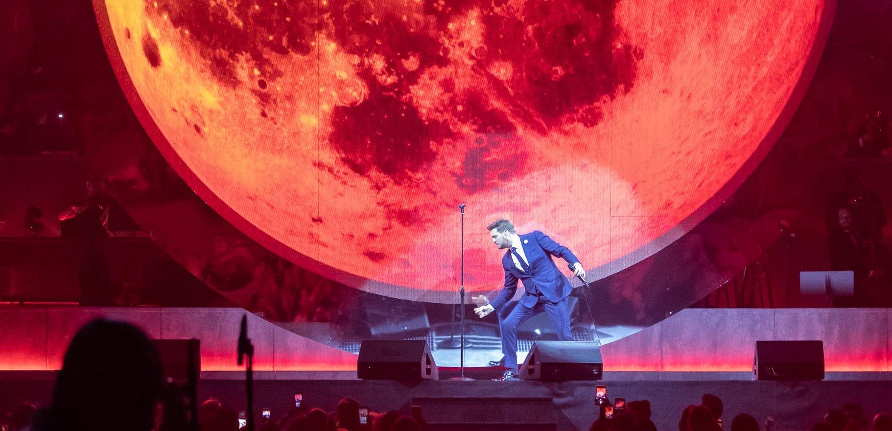 He's Back! Michael Bublé is All Smiles in Impressive Show via @sacramentopress
