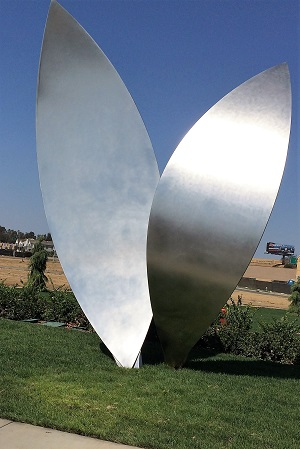 Picture of McKinley Village sculpture La Feuille
