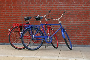 Picture of two bikes for Urban Cycling 101 post