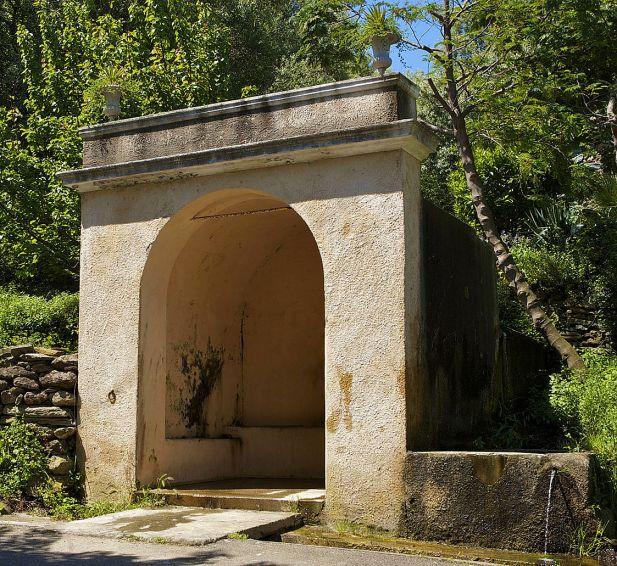 Sacré Cap Corse - Fontaine à Meria