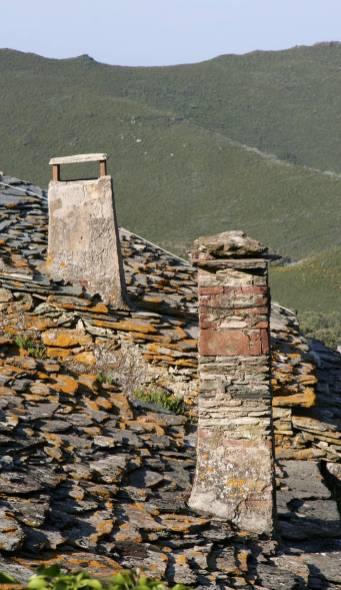 Cheminées à Teghje, hameau de Sisco