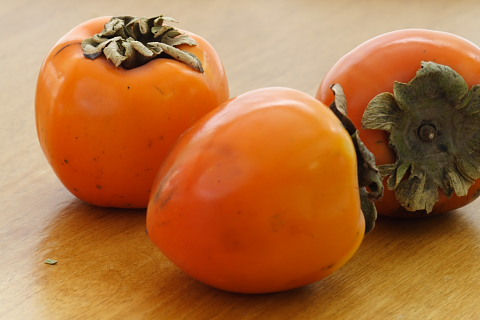 Love, love me do: Persimmons (3/6)