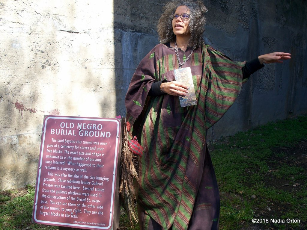 Ana Edwards, discussing the history of the African Burial Ground, Shockoe Bottom, Richmond. April 6, 2013