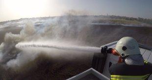 الدفاع المدني يقوم بإطفاء حريق في محصول زراعي - ريف حماة
