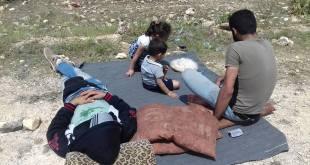 مهجرون عند معبر أبو الزندين - ناشطون