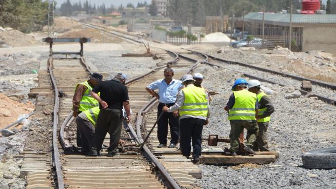ستتم إعادة تجهيز خط دمشق بغداد (ماهر مؤنس/فرانس برس)