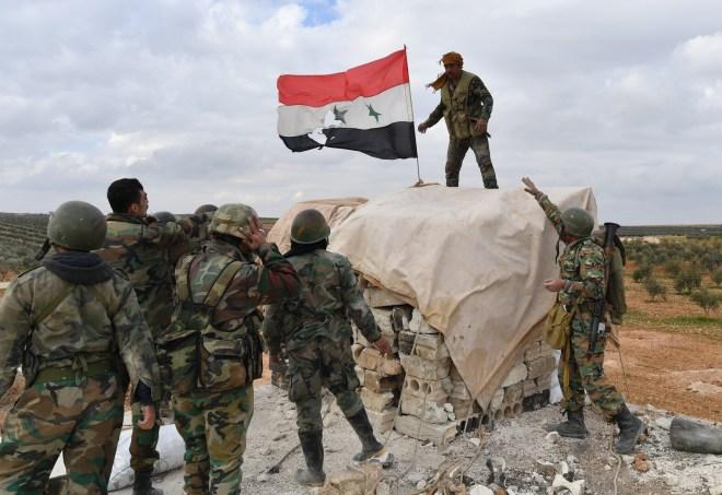 قرار من جيش النظام بإنهاء خدمة (الاحتياط والاستدعاء) لآلاف الجنود والضبّاط
