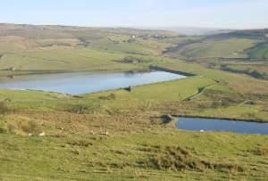 Castleshaw_Lower_Reservoir_near_Delph_-_geograph.org.uk_-_2400
