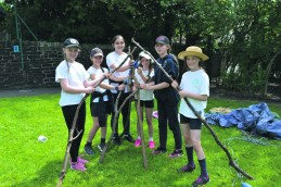 Friezland Primary Forest Fun den building Amelie, Sophie, Nieve, Holly, Ella and Leah