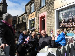 Grenadier Guards come to Uppermill (14)