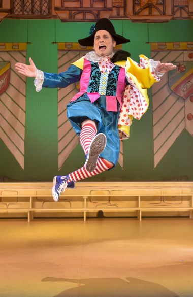 Richard J Fletcher as Silly Billy Suet in Dick Whittington 2017
