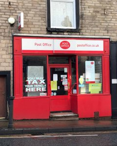 p7 lees post office