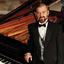Pianist Jerry Nelson