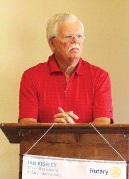 SaddleBrooke Community Outreach President Stephen Groth making a presentation to the SaddleBrooke Sunrise Rotary