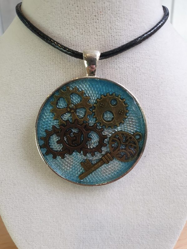 Steampunk Pendant Key and Cogs
