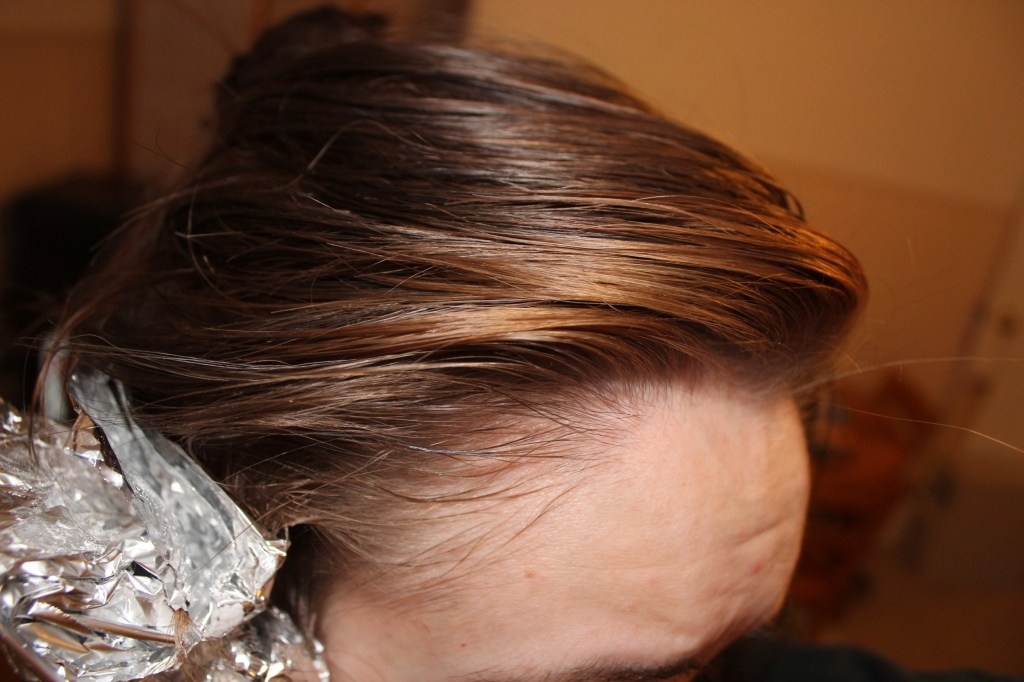 How To Lighten Hair With Hydrogen Peroxide Amp Baking Soda