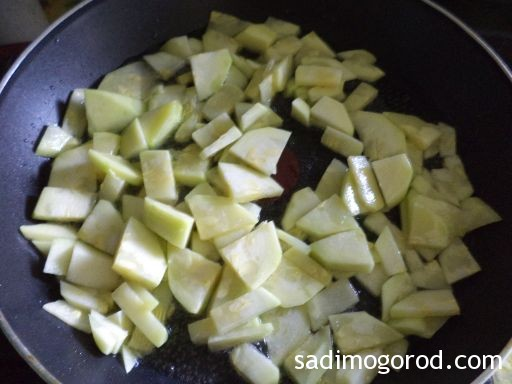 омлет с кабачками на сковороде 4