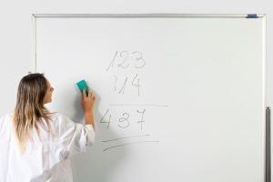Lee más sobre el artículo El trabajo docente en contexto virtual o no presencial