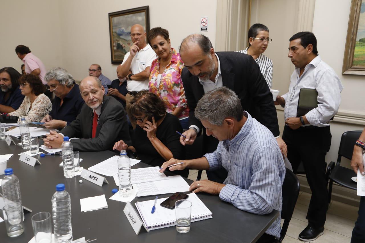 En este momento estás viendo Paritaria Nacional: SADOP aceptó la propuesta del Gobierno