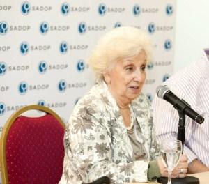 Lee más sobre el artículo Apoyo y solidaridad a Estela de Carlotto