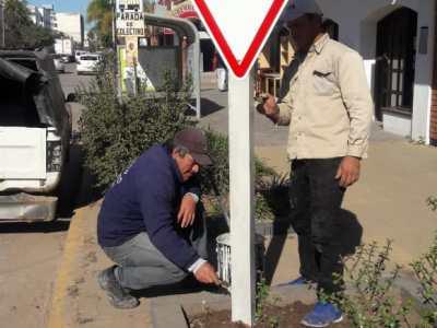 Continúa el programa de señalización urbana en Sáenz Peña