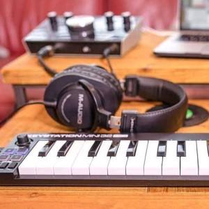 Dj Emgee muziQ SA - Corona Crowd Gqom main mix