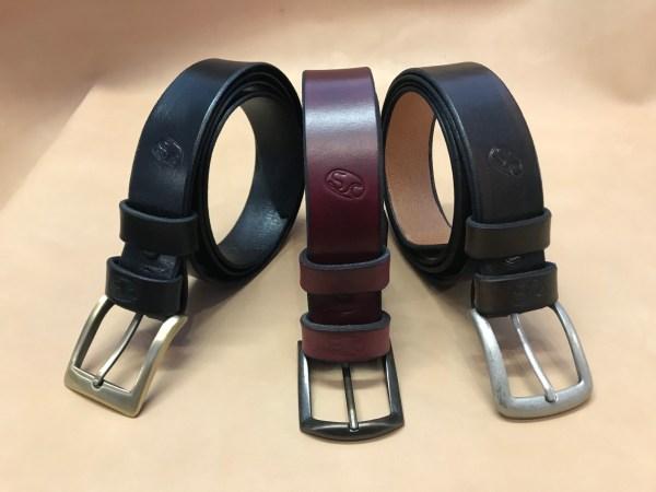 cintura classica in cuoio a conciatura vegetale