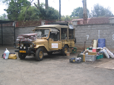 Cargando la Diligencia. Nairobi. Kenya, agosto de2005