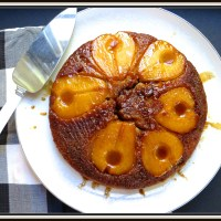 Pear upside-down cake with a caramel topping