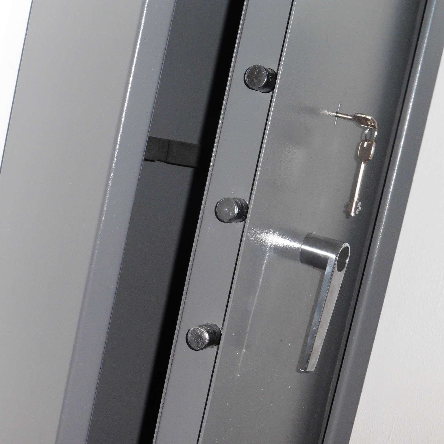 Gun Cabinets – Safeguard Devices