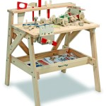 Toy Guide Highlight: Melissa & Doug Wooden Workbench from GummyLump(& Giveaway!)