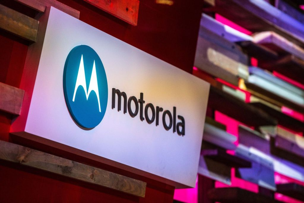 How to Enable Safe Mode on Motorola One XT1941-3