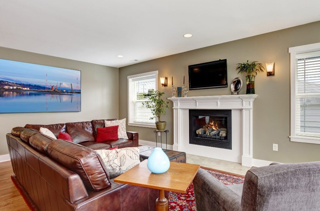 What to Burn in your Fireplace or Wood Stove (and What to Avoid)