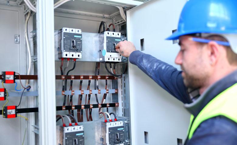 4 Reasons Circuit Breakers Trip: Guidelines For Industrial