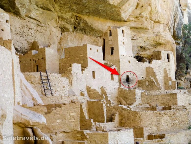 Nur schauen, nicht anfassen: die Schwarzfärbung stammt von all den Dummen, die ihre Hände nicht von den Ruinen lassen konnten.