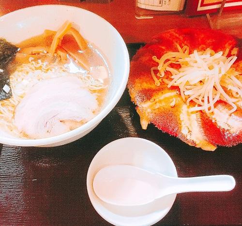 浜太郎の赤餃子と塩ラーメン